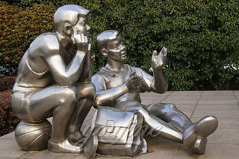 Outdoor abstract stainless steel two boy reading sculptures for school or garden